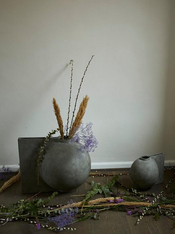 Offset Vase Mini Mørkegrå