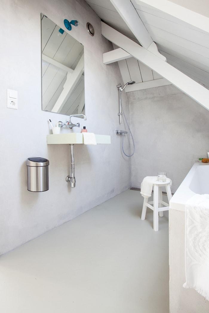 Touch Bin (til vegg) med blankbørstet stållokk, plastinnerbøtte 3 L Hvit