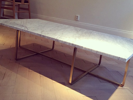 Ninety Table XL - Carrara marmor/svartlackerad metallstomme H40 cm