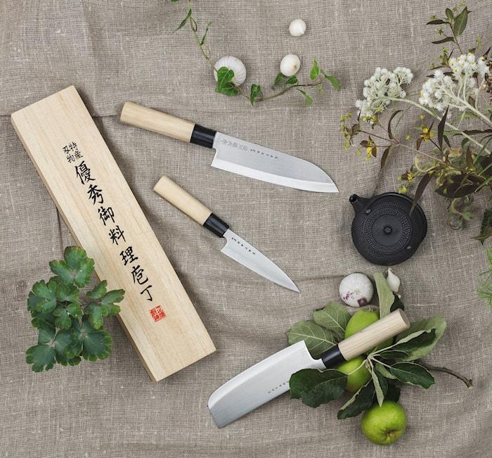 Houcho Santoku kokkekniv 17 cm i balsaboks