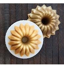 Lotus Bundt® Pan Guld
