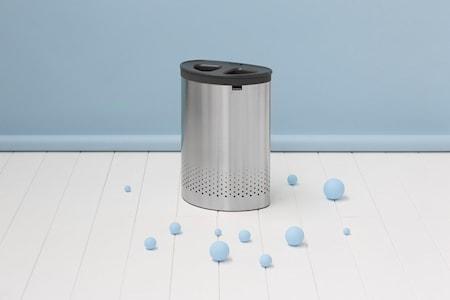 Vaskekurv med 2 lommer / med mørkegrå plastlåg 55 L Matbørstet Stål