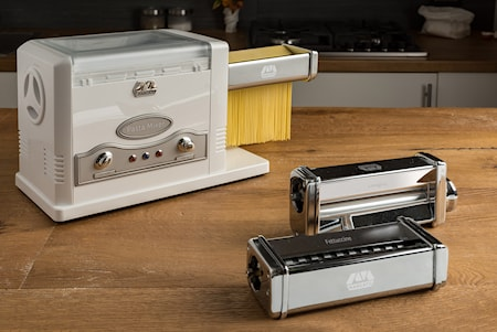 Pasta Fresca Pastamaschine mit Teigkneten