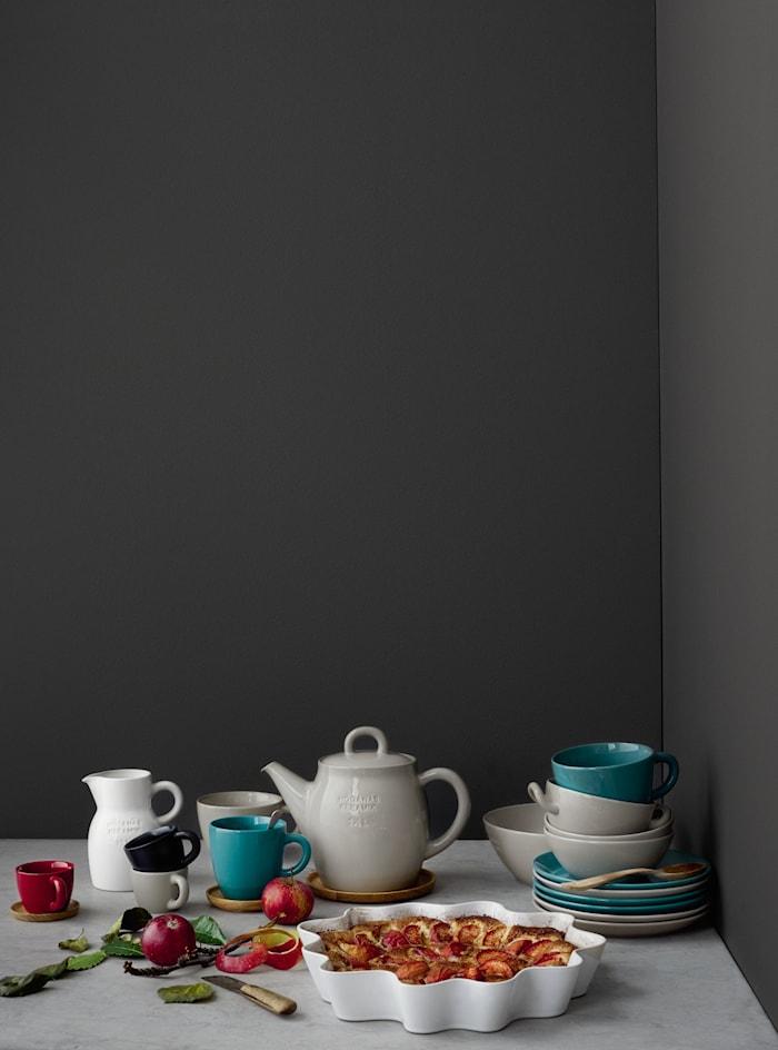 Höganäs Keramik tekrus + træunderkop 50 cl siliciumgrå blank