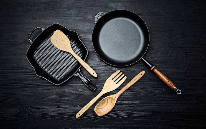Koekenpan Gietijzer met houten handvat Zwart 28 cm