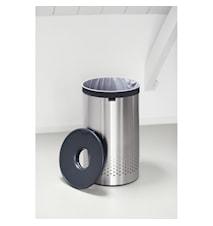 Tvättkorg med mörkgrått plast lock 60 L Mattborstat Stål