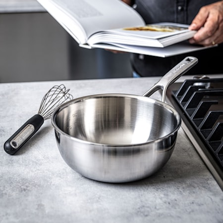 Multi-Ply Stainless Steel Sauteuse-pannu 20 cm / 2,36 l Uncoated