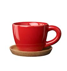 HK Espressokuppi 10 cl, Omenanpunainen puualustalla