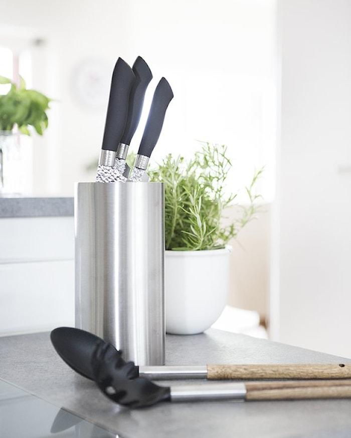 Knivsett i stål svart handtag 3 delar